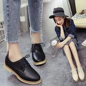 (全館一件免運)DE shop~(ZD-2255)百搭圓頭黑白色休閒小皮鞋