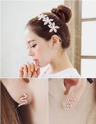 【NiNi Me】夾式耳環 甜美波浪流線水鑽不對稱夾式耳環 夾式耳環E0036