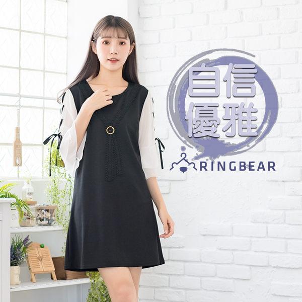 黑色洋裝--優雅蕾絲別針領結拼色綁帶五分雪紡荷葉袖A字連身裙(黑L-3L)-D418眼圈熊中大尺碼