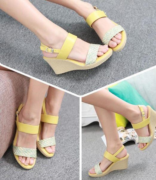 達芙妮旗下SHOEBOX/鞋柜一字式扣帶坡跟拼色高跟鞋涼鞋1115303017