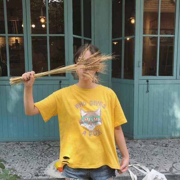 [超豐國際]港味復古chic風寬松百搭卡通印花破洞松短袖T恤1入