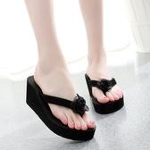 厚底沙灘鞋 坡跟人字拖鞋 時尚花朵涼鞋 夏季《小師妹》sm889