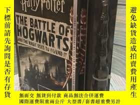 二手書博民逛書店霍格沃茨的戰鬥及捍衛魔法美版罕見The Battle of Hogwarts and the Magic Used