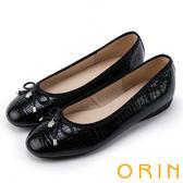 ORIN 輕熟魅力 經典鏡面牛皮壓紋娃娃鞋-黑色
