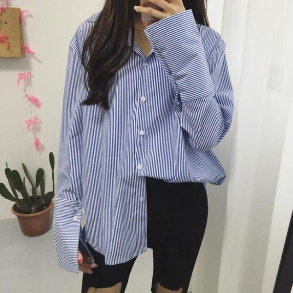 [協貿國際]經典復古條紋純色兩色襯衫甜美喇叭袖長袖襯衣1入