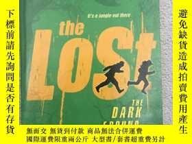 二手書博民逛書店The罕見Dark Ground - The Lost Bo