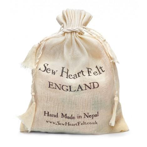 【英國 sew heart felt】放牧小羊羊毛氈鞋 (嬰兒鞋/彌月禮)--哈利兔