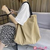 側背包 慵懶風大包帆布包側背包包2021新款潮大容量日系文藝女包休閒包包 小天使 99免運