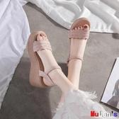 【伊人閣】楔形涼鞋 涼鞋 坡跟 厚底 鬆糕 一字扣帶 女鞋