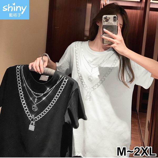 【V3367】shiny藍格子-視覺亮眼.燙鑽項鏈造型寬鬆短袖上衣