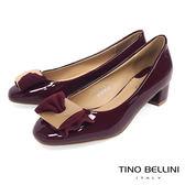 Tino Bellini 氣質方釦蝴蝶結漆皮低跟鞋_ 酒紅 F83018
