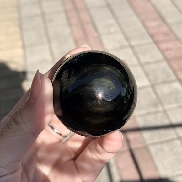 『晶鑽水晶』天然彩虹黑曜石球 A級 特級 約44mm 帶彩虹眼 天地眼 避邪擋煞 防小人 附底座