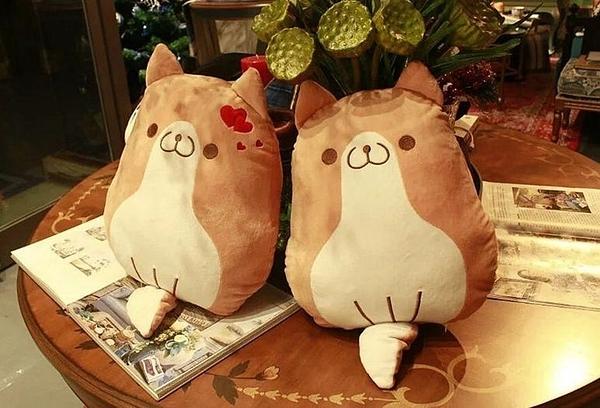 【2款】柴犬情侶 柯基狗 戀愛狗玩偶 絨毛娃娃 抱枕 擺飾 聖誕節 生日禮物 聖誕節交換禮物