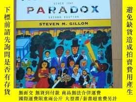 二手書博民逛書店The罕見American Paradox: A History