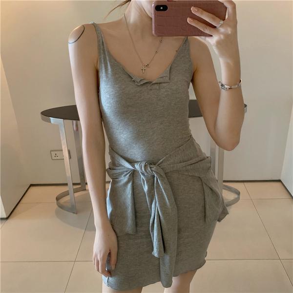 VK旗艦店 韓國風純色外套小吊帶套裝長袖裙裝