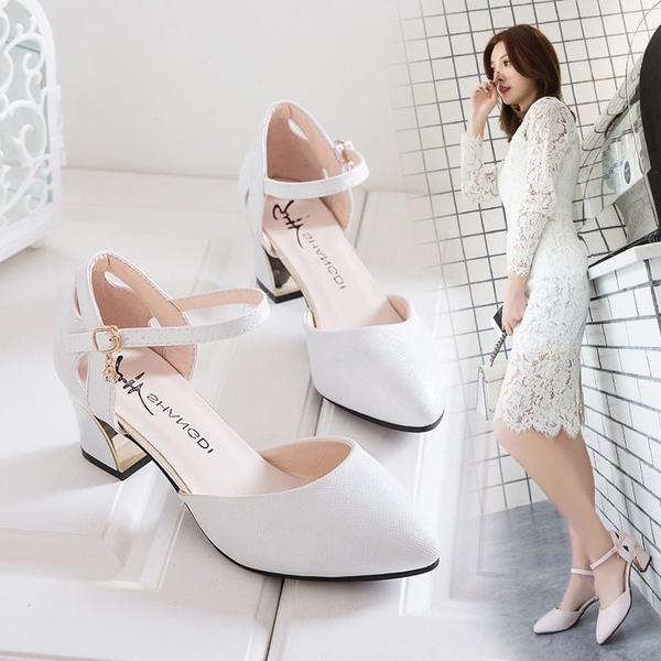 高跟鞋正韓中空尖頭鞋粗跟單鞋一字扣帶女鞋中跟高跟鞋女潮【特價】