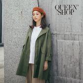Queen Shop【02070994】立領雙口袋傘擺外套 兩色售*預購*