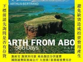 二手書博民逛書店Earth罕見From AboveY256260 Yann Arthus-bertrand Harry N.