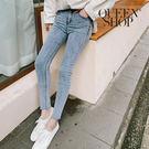 Queen Shop【04011322】下腳鬚邊刷色窄管牛仔褲 S/M/L/XL*現+預*