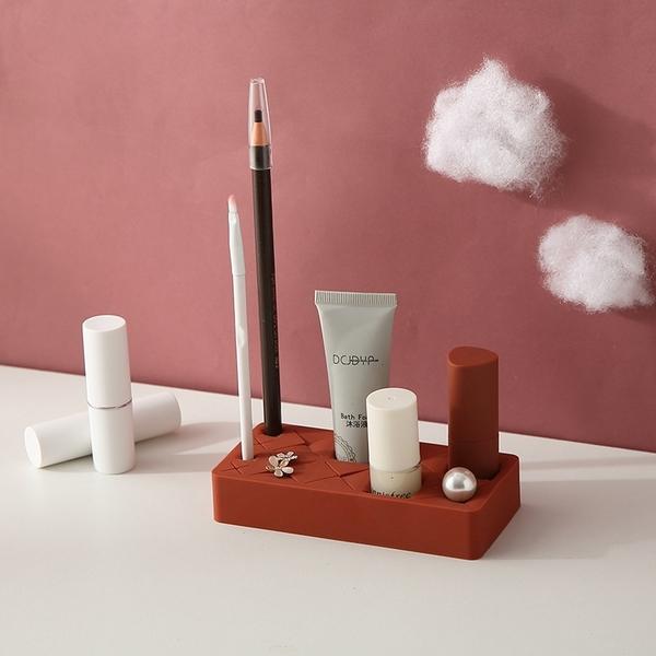 【BlueCat】口紅唇釉 矽膠收納盒 (小) 化妝品收納 首飾收納 眉筆 指甲油 口紅 眉彩置物架 整理盒