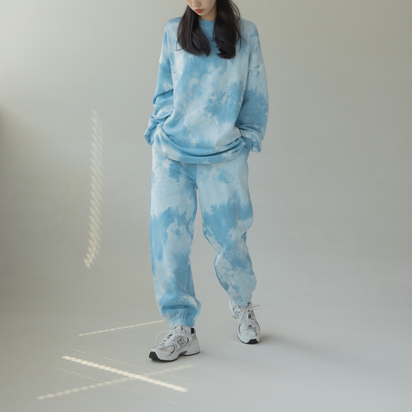 Queen Shop【04020493】鬆緊腰頭渲染高腰縮口褲 兩色售*現+預*