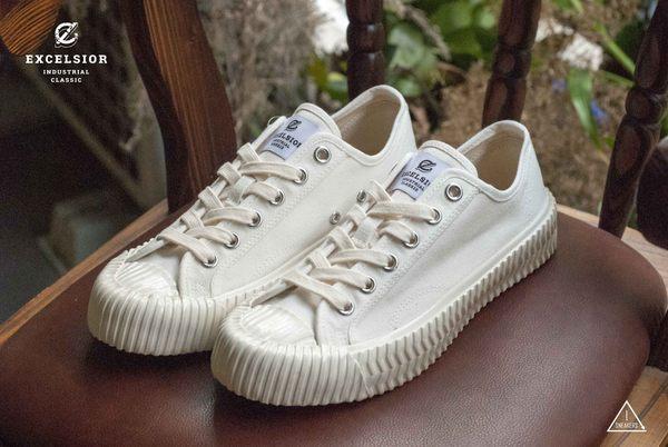 ISNEAKERS EXCELSIOR 餅乾鞋 全白 白帆布鞋 CS_M6017CV_WH 女鞋 韓國限定