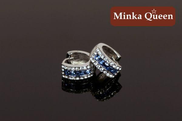 德國鈦鋼 深藍三排滿鑽造型 精緻水鑽、鋯石抗敏易扣耳環(一對)(14 mm)