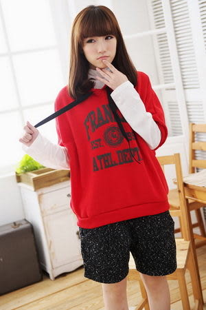 *孕味十足。孕婦裝* 【CFI1118】台灣製。英文字母內鋪棉連帽短版孕婦外搭上衣 4色