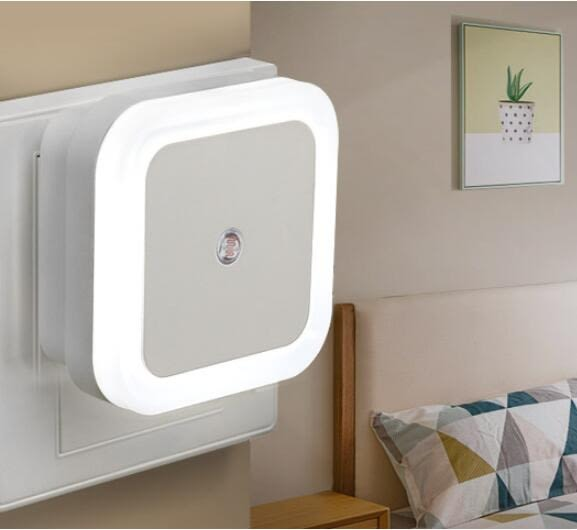 光控感應LED小夜燈床頭燈臥室嬰兒餵奶創意夢幻插電插座迷妳節能