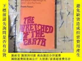 二手書博民逛書店THE罕見WRETCHED OF THE EARTHY25240