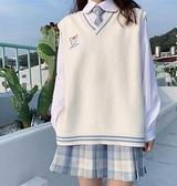 針織馬甲學院風v領馬甲日系寬鬆jk背心女百搭秋季新款白色小針織女士外套 JUST M