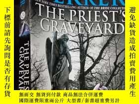 二手書博民逛書店The罕見Priests Graveyard(英文原版) .Y1