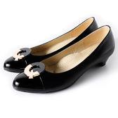 Clay Derman    時尚金屬扣飾點綴低跟鞋-黑