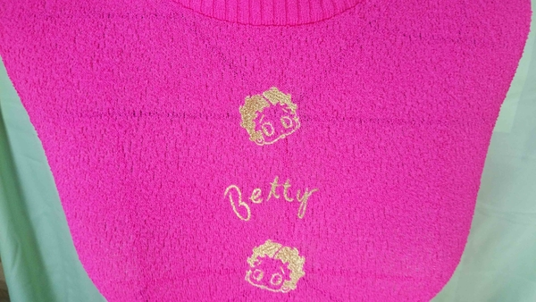 【震撼精品百貨】Betty Boop_貝蒂~削肩線衫_桃紅