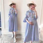 孕婦裝 MIMI別走【P521048】擁抱花兒 質感刺繡襯衫連身裙 孕婦洋裝 長裙