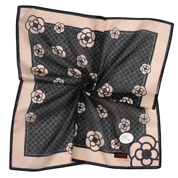 CLATHAS滿版山茶花純綿帕領巾(淺棕黑)989265-24