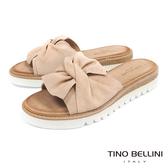 Tino Bellini 西班牙進口真皮典雅領結厚底涼拖鞋 _ 淺駝 A83028 歐洲進口款