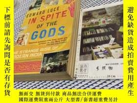 二手書博民逛書店英文原版罕見IN SPITE OF THE GODS - THE