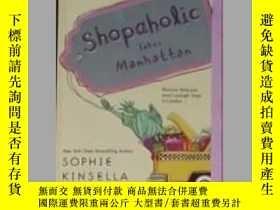 二手書博民逛書店英文原版罕見Shopaholic Takes Manhattan