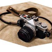 BHW法國巔峰創作復古相機背帶手工牛皮微單肩帶真皮瘋馬皮減壓繩 極客玩家