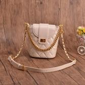 手提鏈條小包包女2020新款時尚韓版百搭洋氣小香風斜背側背水桶包 貝芙莉