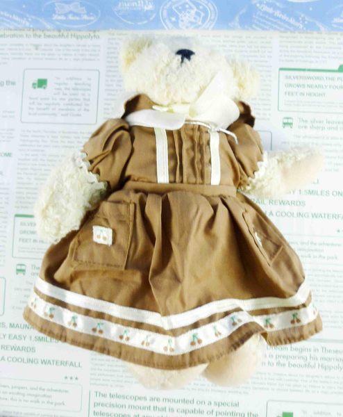 【震撼精品百貨】日本日式精品_熊_Bear~絨毛玩偶-米色熊-咖啡洋裝