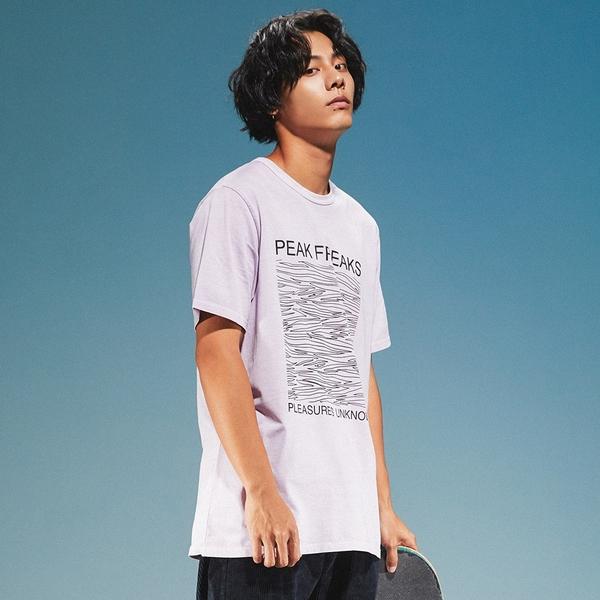 Levis 男款 短袖T恤 / 滑版系列 / 街頭塗鴉 / 香芋紫