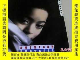 二手書博民逛書店American罕見Showcase: Photography