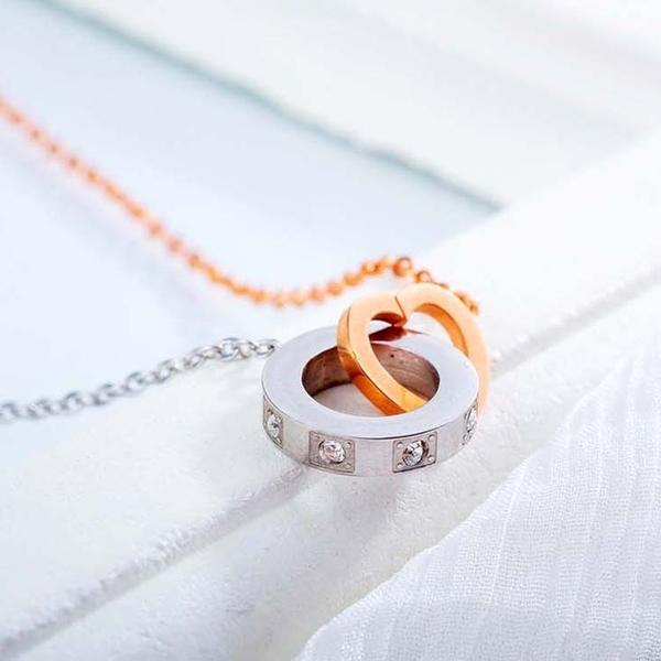 【5折超值價】時尚精美雙環鑲鑽女款鈦鋼項鍊