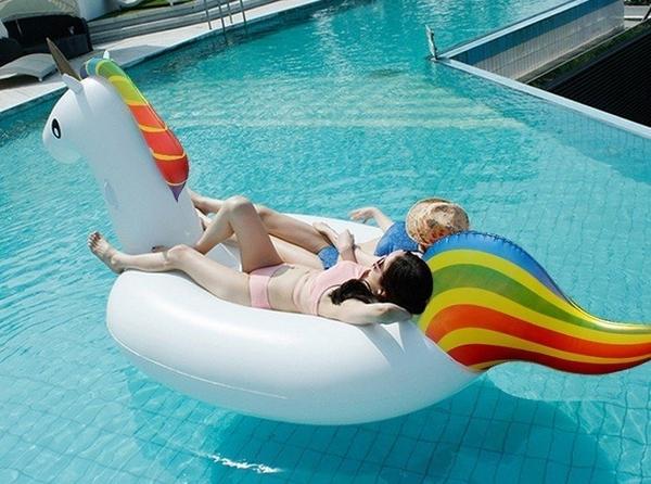 爆款【獨角獸】泳池的焦點 大型充氣游泳池坐騎 PVC打氣泳圈水上浮船 鯨魚.火烈鳥玩水墾丁必備