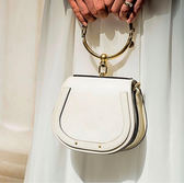 ■專櫃68折 ■Chloe 3S130 Nile 小款尼羅河女兒手鐲小牛皮金環包 白色