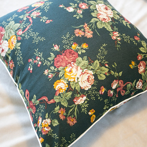 限量方抱枕 綠色小碎花 精選素材 復古 100%復古純棉 極日風 台灣製造 棉床本舖