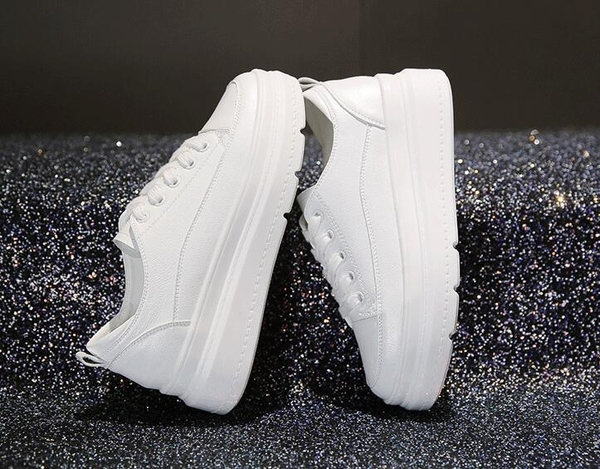 女內增高鞋 百搭厚底小白鞋鬆糕鞋