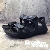 Air walk 全黑 迷彩 涼鞋 拖鞋  男女 情侶鞋 (布魯克林) 2018/7月 A755230-120